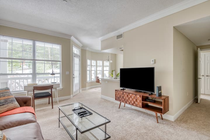 Lovely 1BR in Waltham, Parking + Pet-Friendly