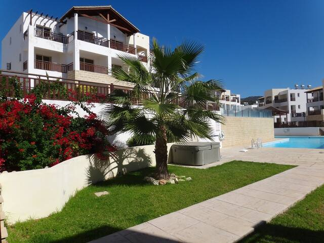 2 Bed Andriana Penthouse with WI-FI & Air con - Peyia - Appartement