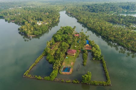 VINI'S FARM-AN ISLAND TO YOURSELF - Kollam - Ada