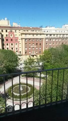 Centro, calma y conveniencia - Madrid - House