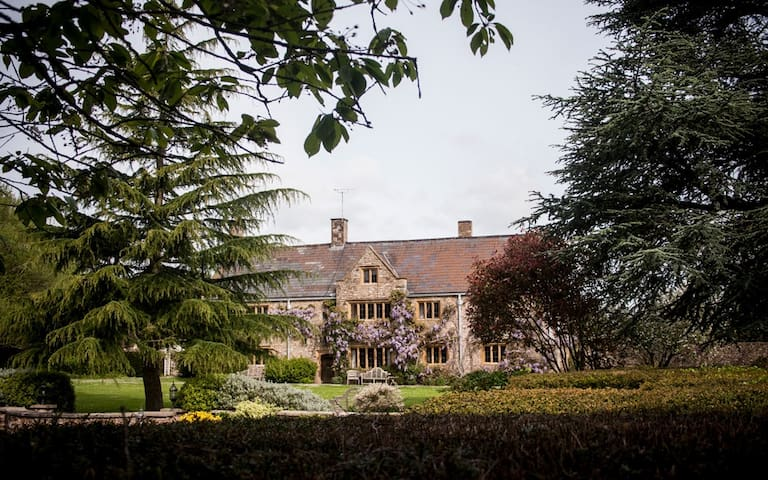 SOMERSET:ULTIMATE PRIVATE FAMILY GET AWAY MANSION