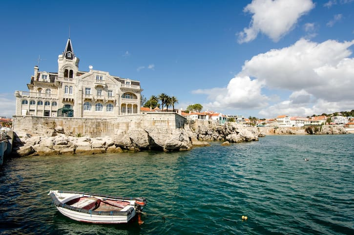 Family yacht in Cascais - why not go sailing too?