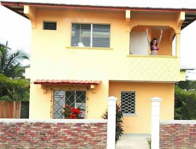 Hab comp con wifi a/c balcón y baño - Bocas del Toro - Rumah