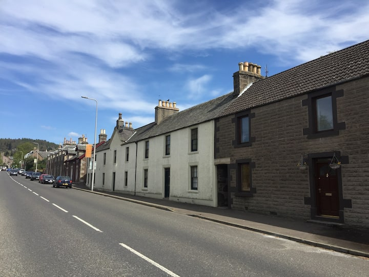 Crieff holiday home with WI-FI