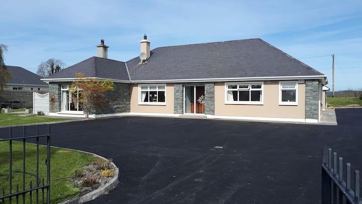 Green Acres, Aghadoe Killarney KING  Ensuite room2
