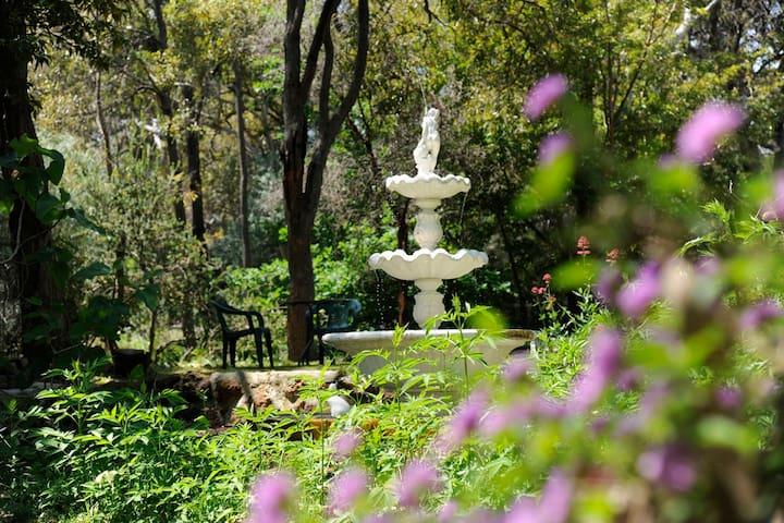 Perth Hills                      Jacaranda Room