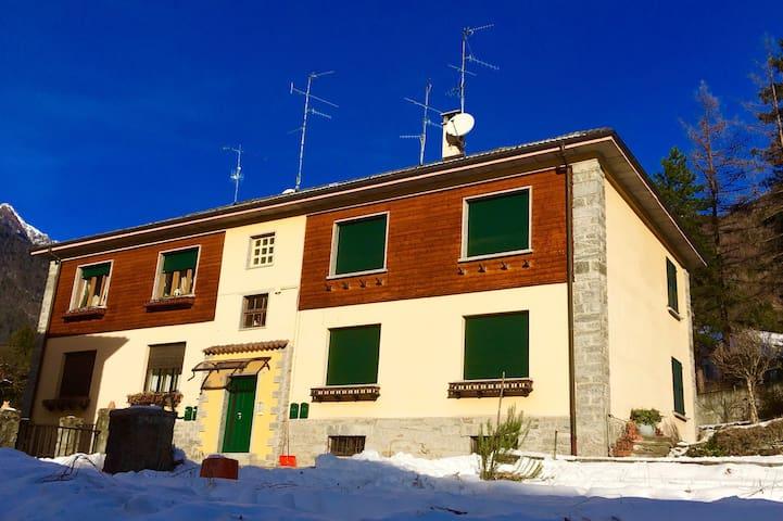 Bardo House      accogliente appartamento - Varzo - Apartamento