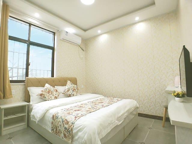 南京禄口机场-清新大床房A(免费接送机)