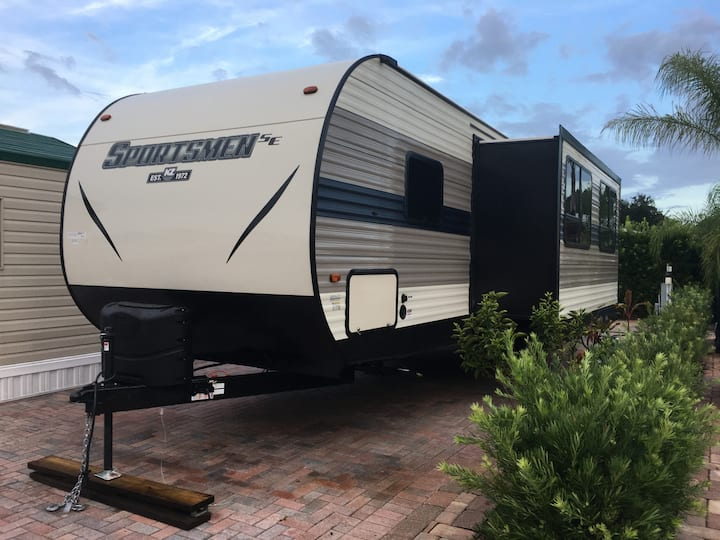 New Camper, 2 bedrooms, up to 50% off on 1 month