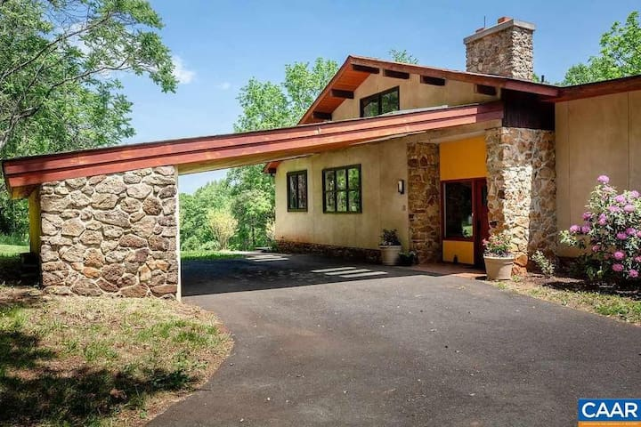 Beautiful Mid Century Modern Country House