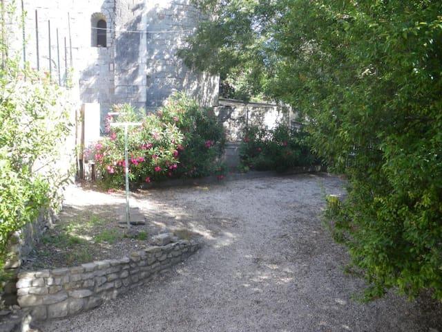 La Chapelle Gite indépendant en pierre 5 personnes