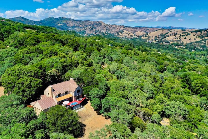 3 Acre Luxury Wine Estate with Breathtaking Views