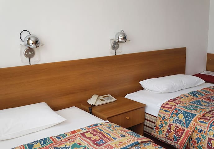 Hotel Grand - Family Room / Apartment - Sarajevo - Bed & Breakfast