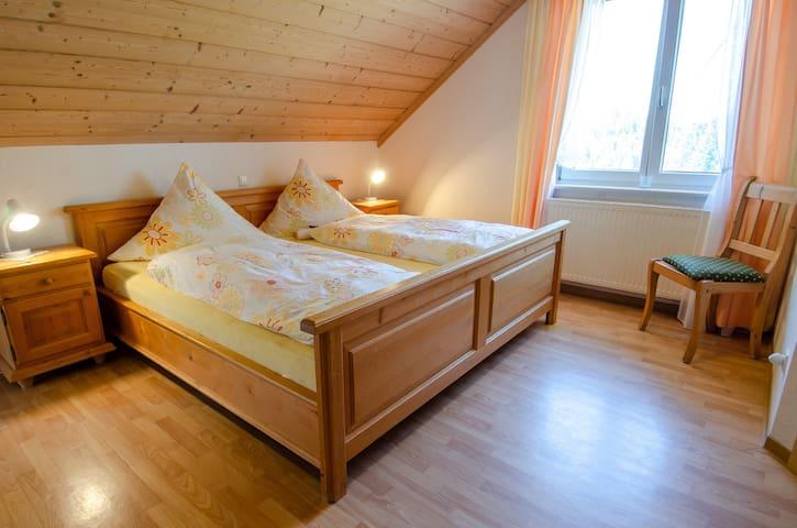Röcklehof, (Wolfach), Ferienwohnung Storchennest, 31qm, 1 Wohn-/Schlafraum, max. 4 Personen