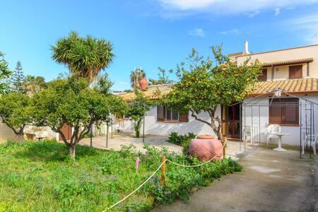 Holiday home in Sicily - Tonnarella - Villa