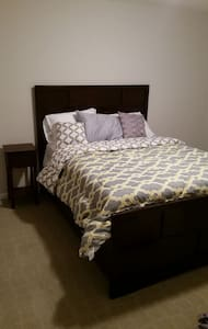 Super Comfy Private Room! - Woodbridge - Townhouse