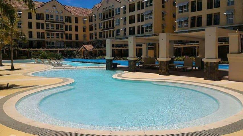 Cebu City Amalfi2BR+PoolFront+wifi+near SM Seaside