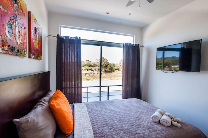 Habitación secundaria, confortable y única. El buen descanso te espera.