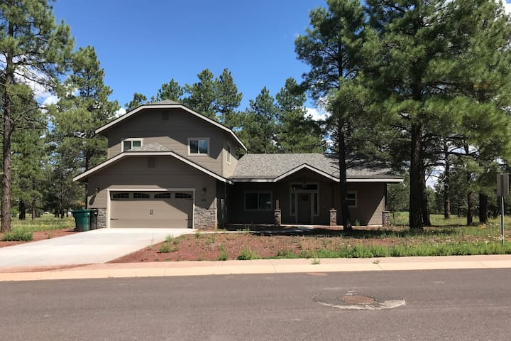 Brand New 4bdr/3ba house near the Grand Canyon