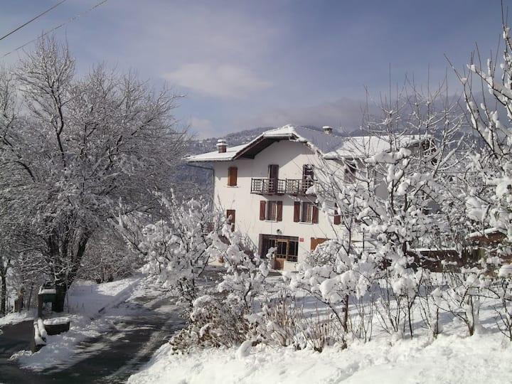 """Chambres d'hôtes """"Au Pays du Mont Blanc"""" 8 pers"""