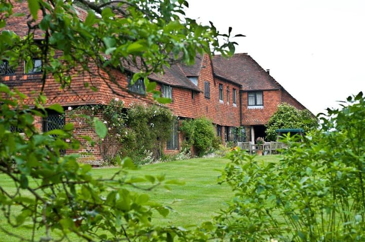 *High Edser* B&B in Surrey Hills