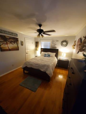 Serene Queen Bedroom Oasis