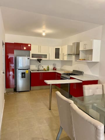 Nice Home/Near From Las Americas DISPONIBLE JUNIO