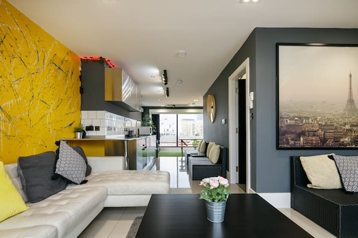 Open -- Duplex Central Northern Quarter Penthouse