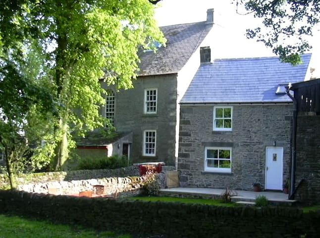 Binks Cottage, Thornley Village - Thornley - House