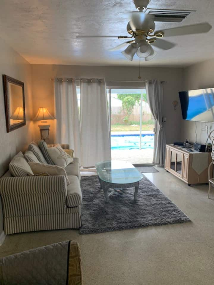 Great Florida Vacation Rental, Complete Home