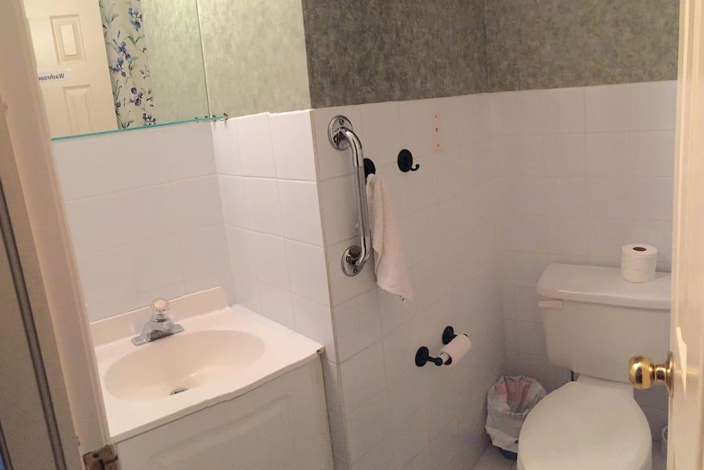 2 piece bathroom (1st floor)