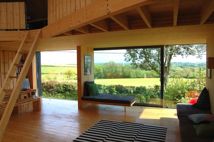 GRAND DESIGNS WOODEN MOORLAND HOUSE AMAZING VIEWS
