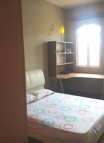2 spacious, cozy and private rooms available!