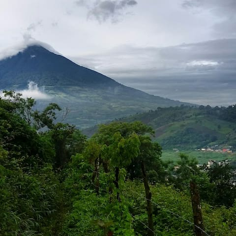 Beautiful Views just minutes outside of Antigua - Antigua Guatemala - Haus
