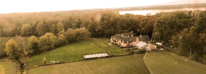 Guest house beautiful historic square farm 🎯