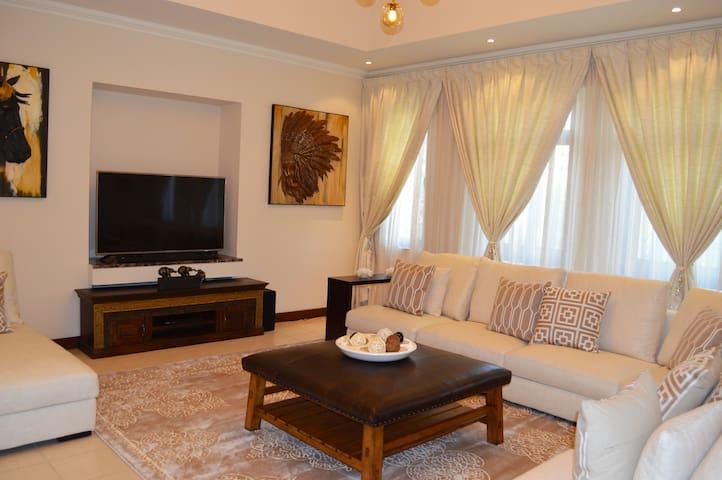 Dubai Creek Golf Club Villas - Ninety 2