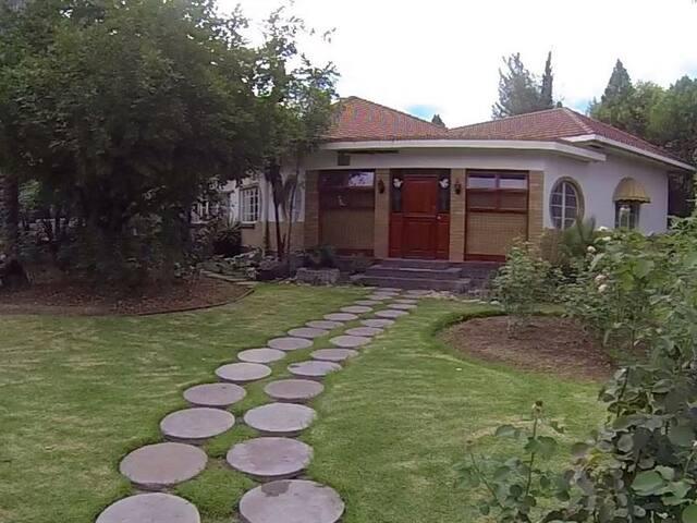 Karoo Gastehuis