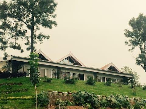 3 Valleys, Hilltop cottage