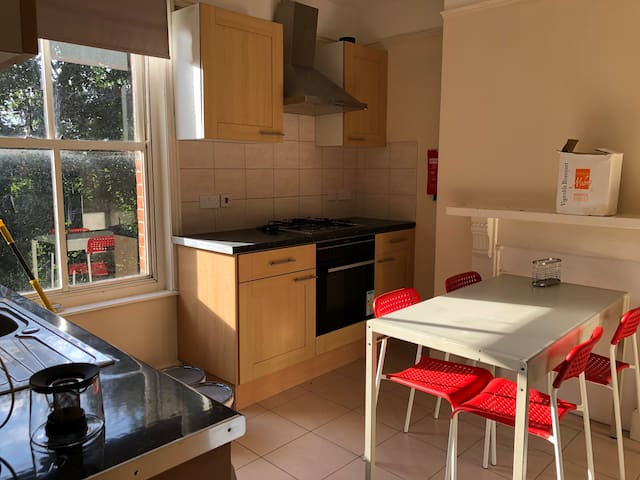 Homely & attractive accommodation in Southampton