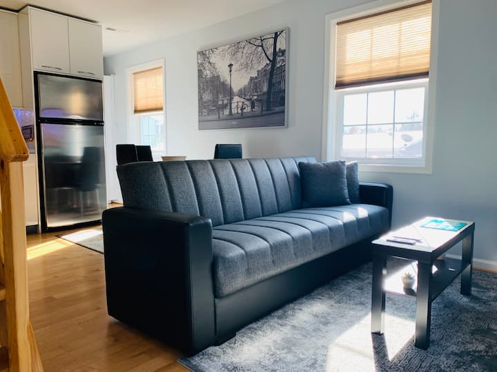 StudioApt Minutes Away From Rockville Town Square!