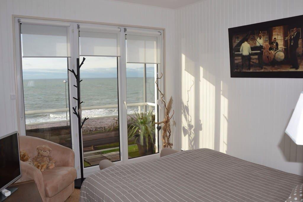 Chambre avec vue sur mer appartements louer sainte adresse haute normandie france - Chambre d hote normandie vue sur mer ...