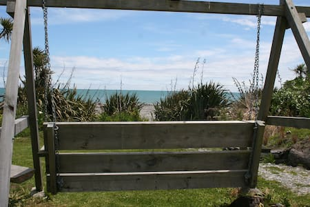 Cabin on the Beach - Hokitika - Cottage