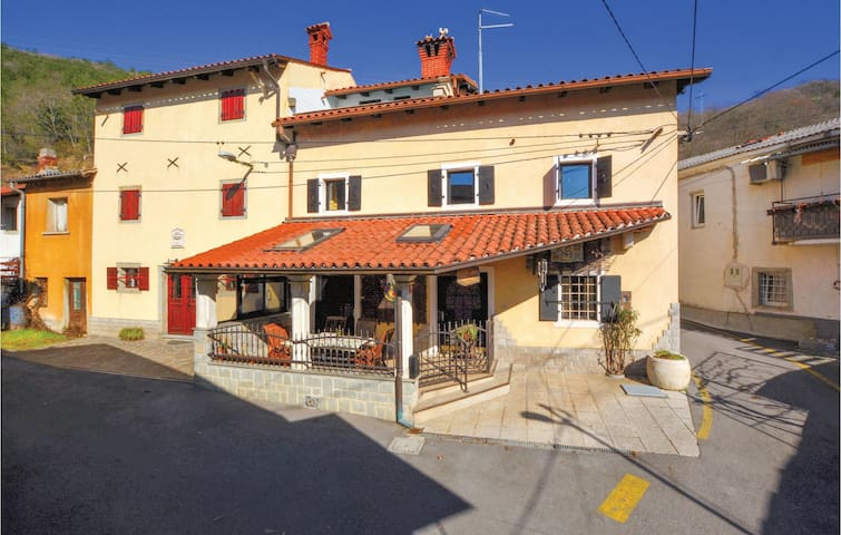 Terraced house with 2 bedrooms on 121 m²