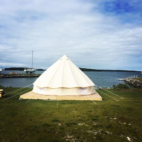 Glamping on Lobster Bay