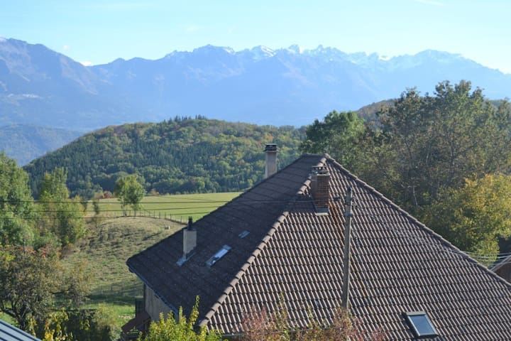 Maisonnette de caractère en Chartreuse - Saint-Bernard - บ้าน