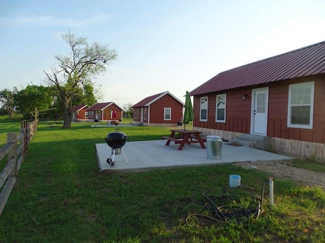 7D Ranch Cabin #3 - Navasota - Cottage