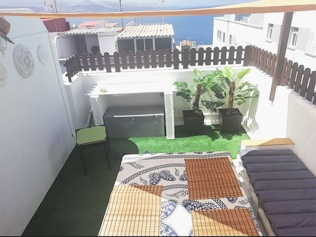 NEW!TERRACE PRIVATE,BEAUTY ROOM,NEAR 2 BEACHS
