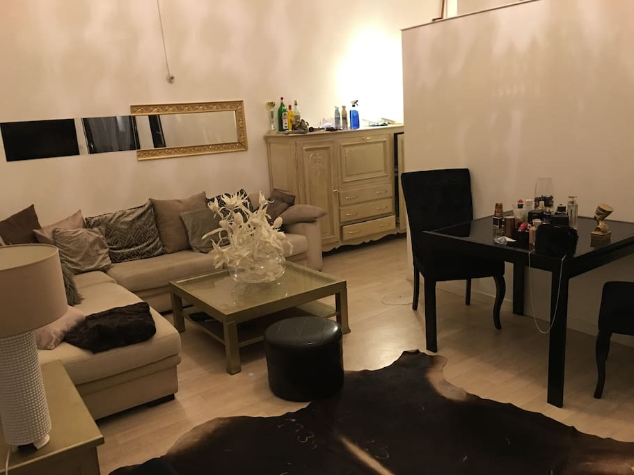 Chambre louer euro 2016 flats for rent in saint denis for Chambre a louer nice france