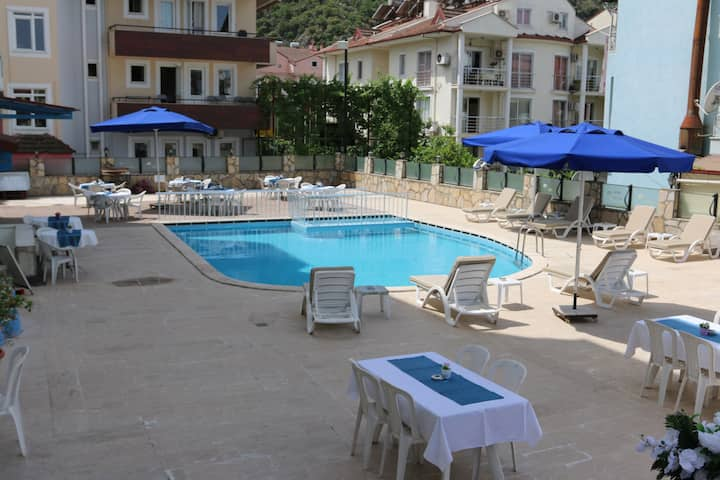 Hotel Room with Breakfast BEST PRICE AND LOCATION