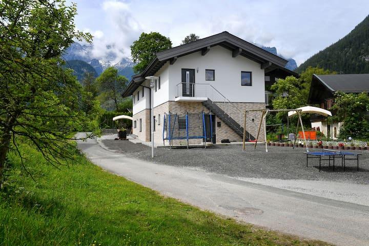 Haus Alpin Lofer im Sommer